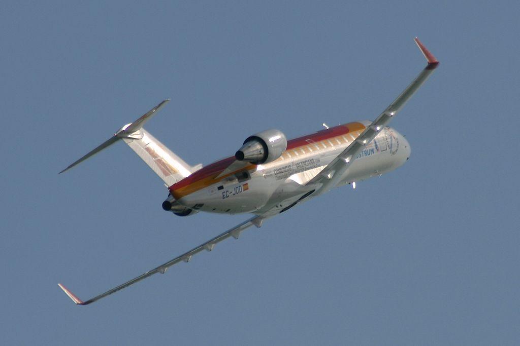 Bombardier CRJ-200 de la compañía AIR NOSTRUM.