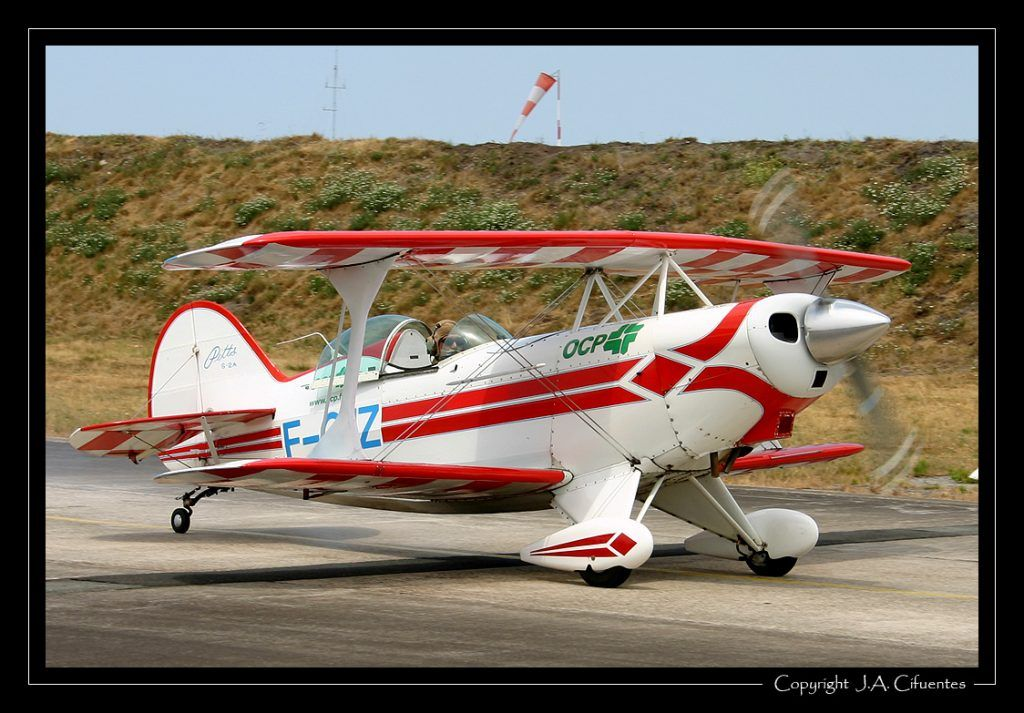 Pitts S-2A Special (F-GIIZ).