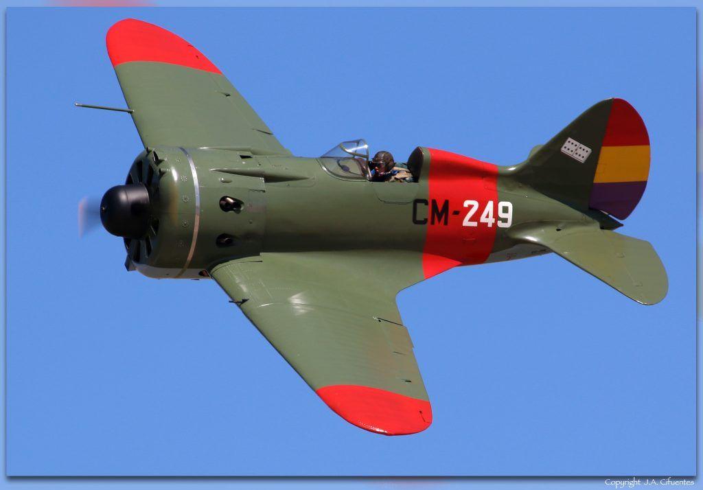 Polikarpov I-16 «Rata» o «Mosca».