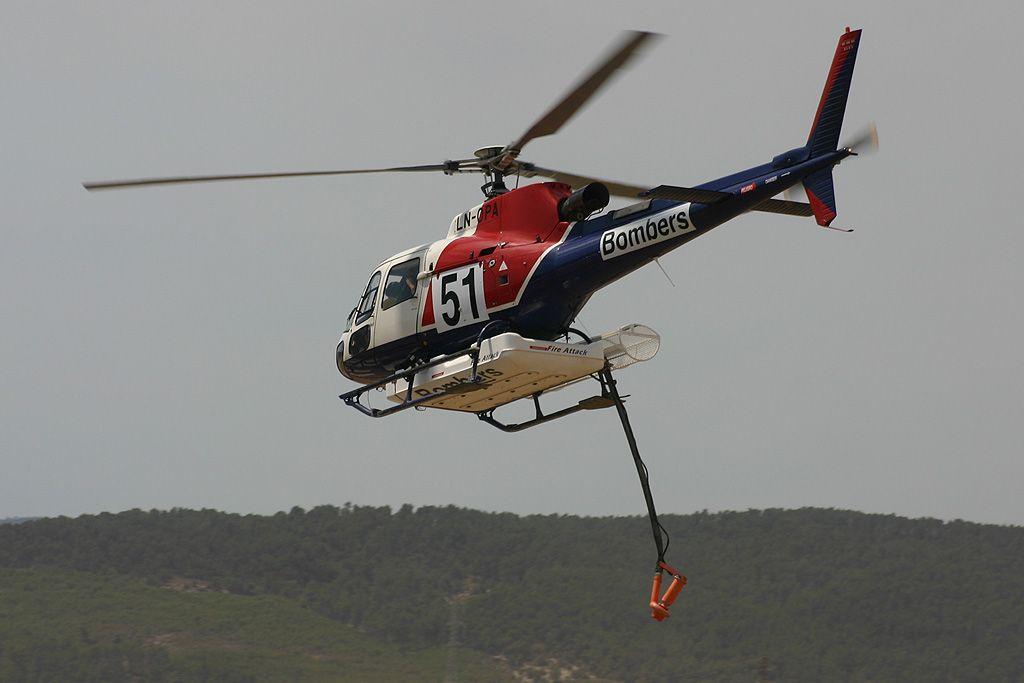 Eurocopter AS 350B3 Ecureuil de Bomberos de Cataluña operado por Helitrans.