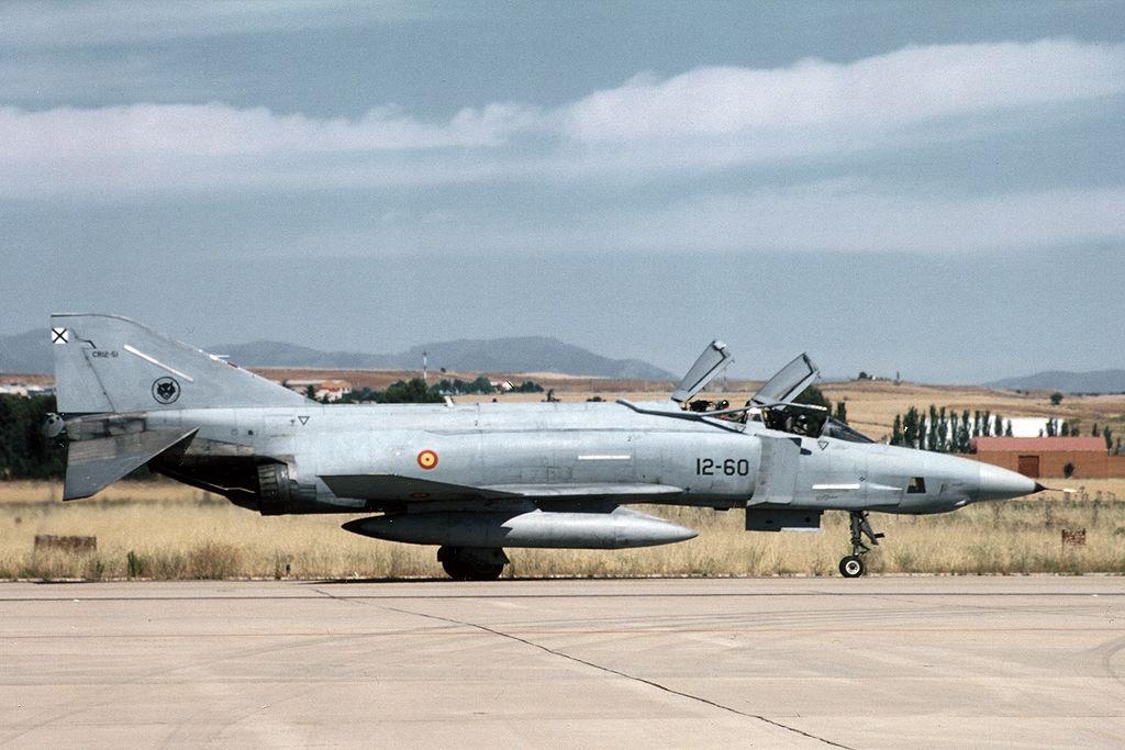McDonnell Douglas RF-4C Phantom II (CR.12-51 / 12-60) del Ala 12 del Ejército del Aire.
