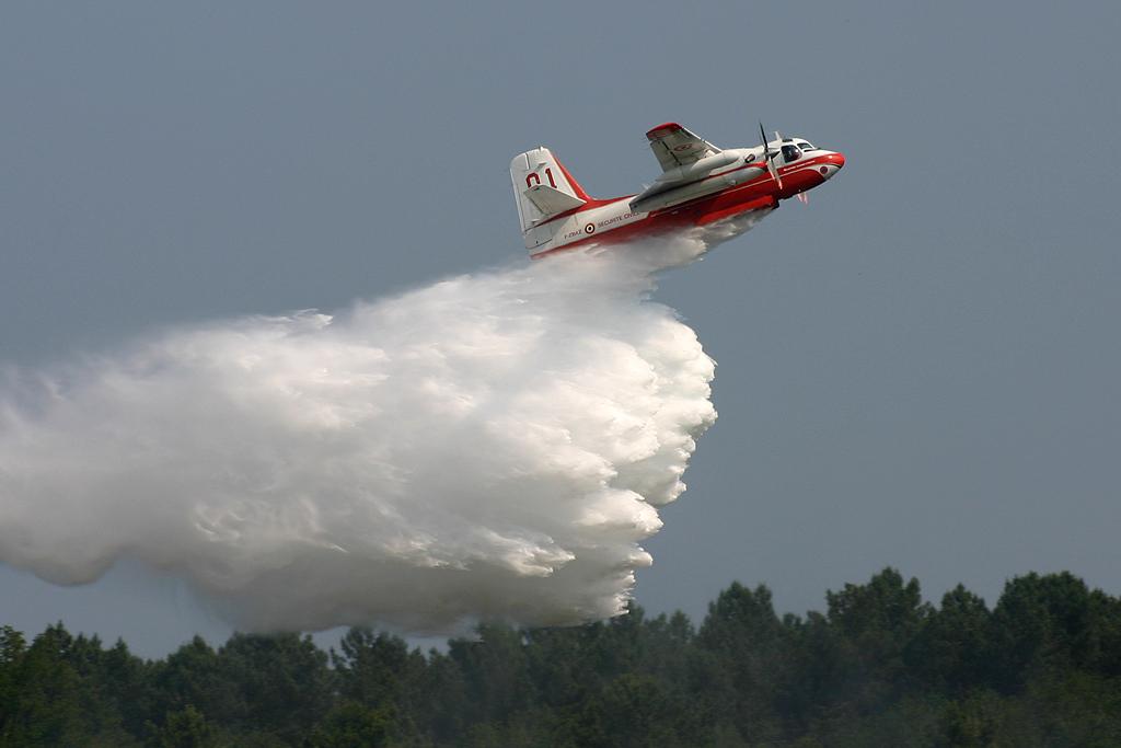 CS2F/Turbo Firecat de la Sécurité Civile.