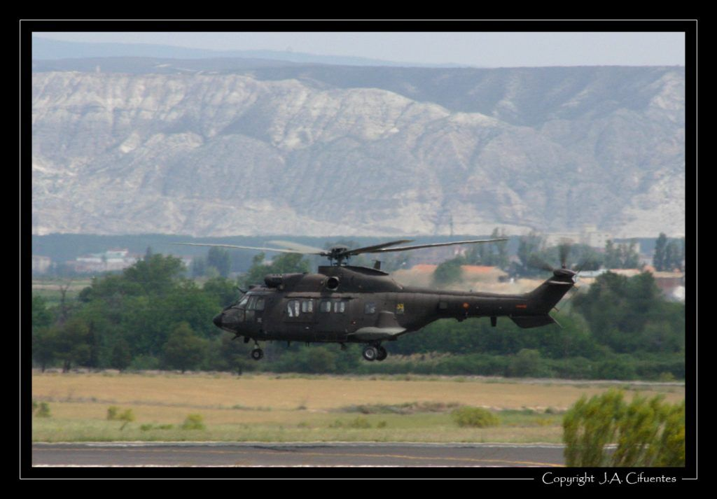 Eurocopter AS-532UL Cougar de las FAMET.