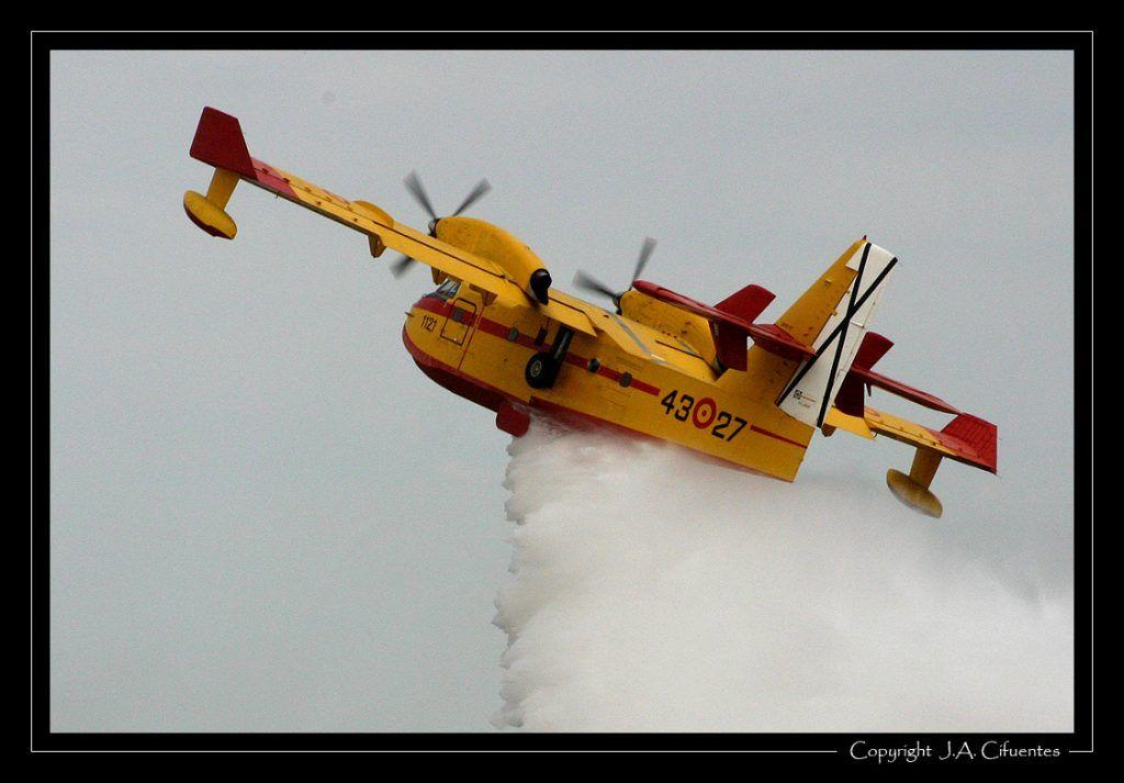 Canadair CL-215 T del 43 Grupo del Ejército del Aire.