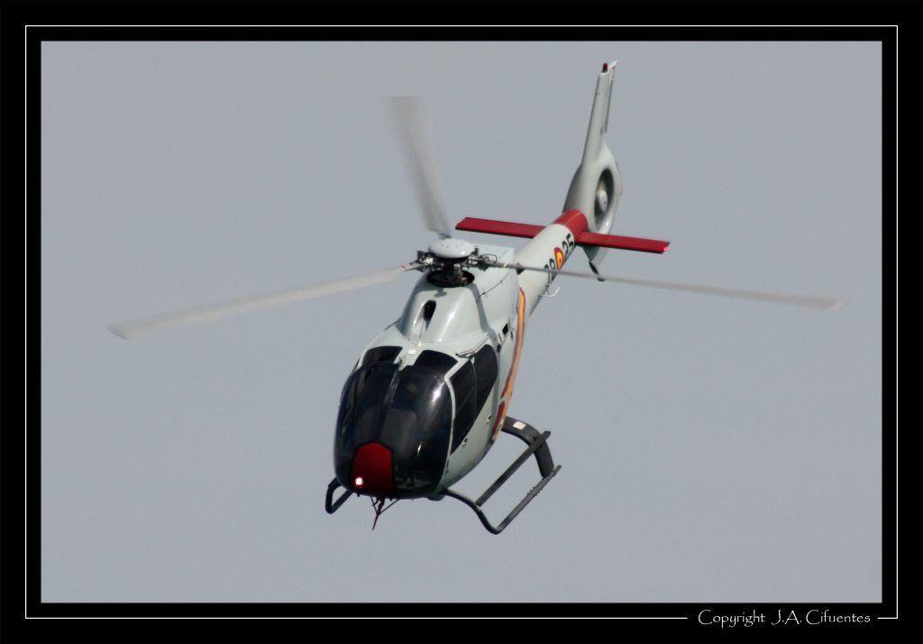 Eurocopter EC120-B Colibri de la Patrulla Aspa del Ejercito del Aire.