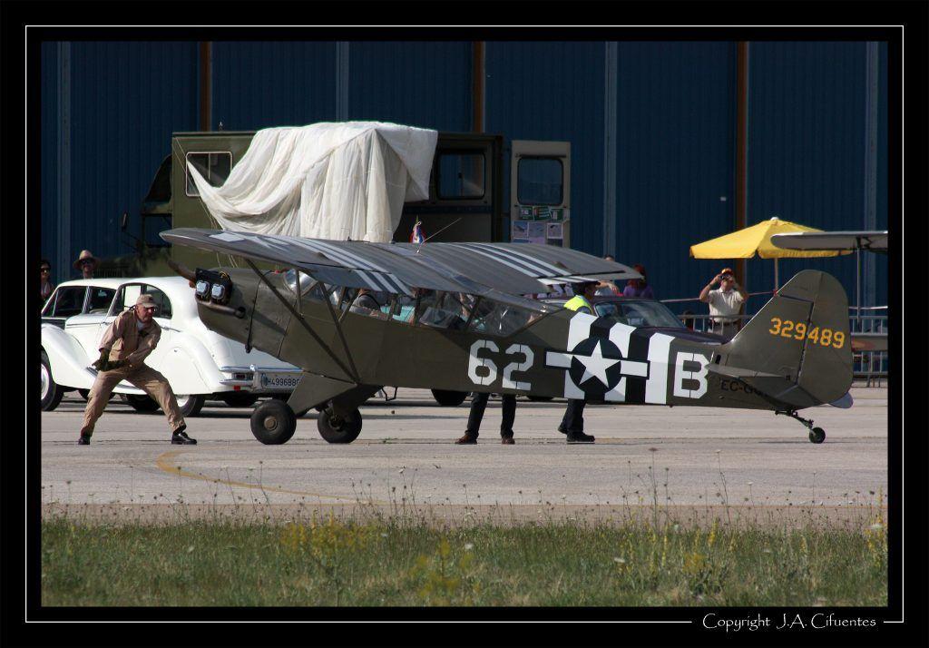 Piper J-3C-65 (L4-H) Cub (EC-GQE) de Ángel Alejo (operado por la Fundación Infante de Orleans).