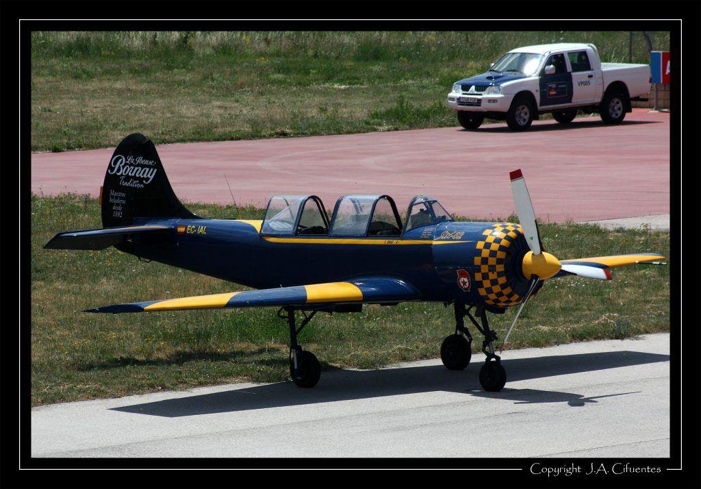 Yakovlev Yak52 (EC-IAL) de Jacob 52.