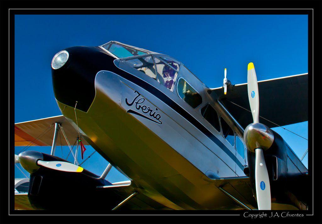 De Havilland DH-89 Dragon Rapide (EC-AAY).