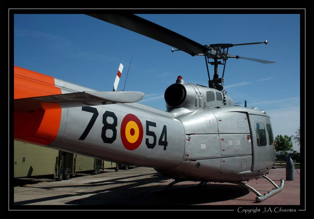 Agusta Bell AB-205.