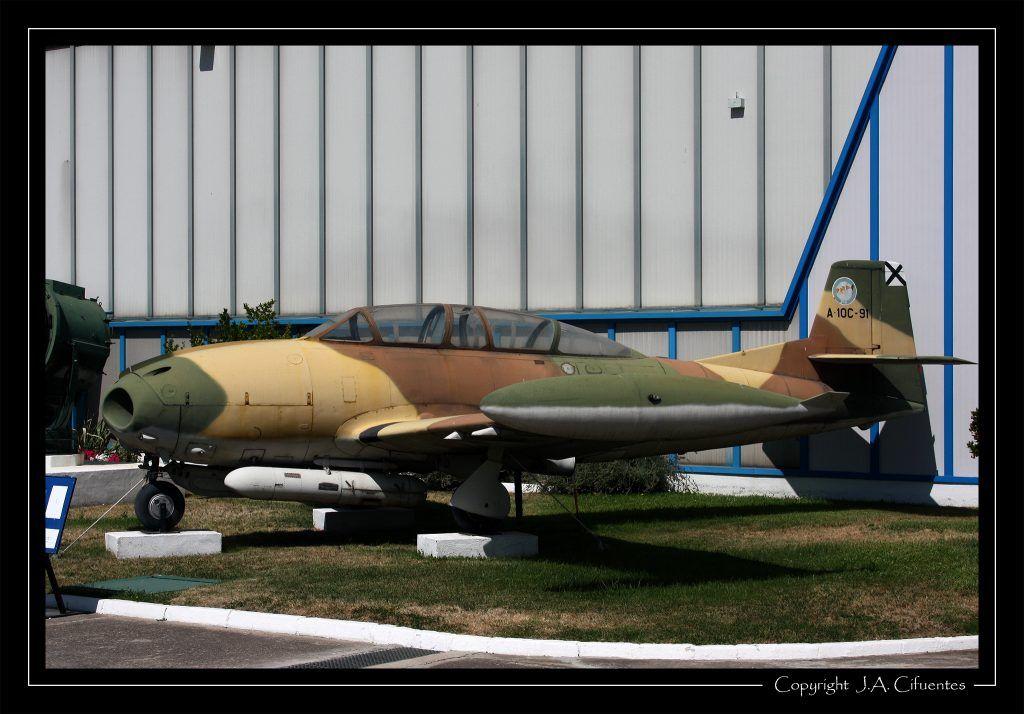 Prototipo del Hispano Aviación H.A.220 Super Saeta.