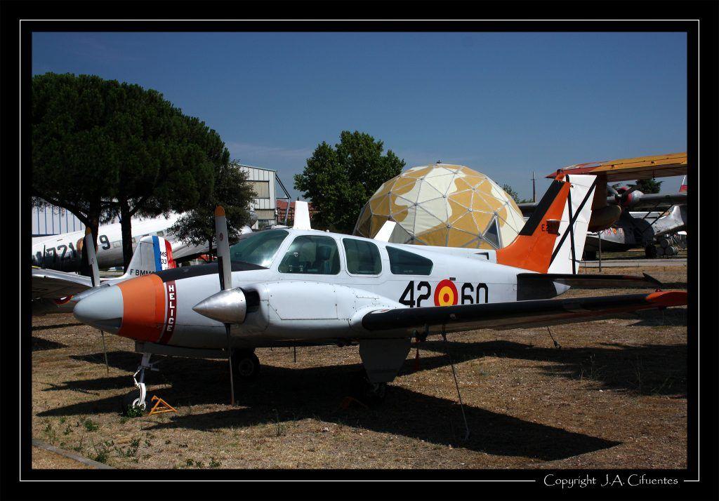 Beech Baron 95-B-55.
