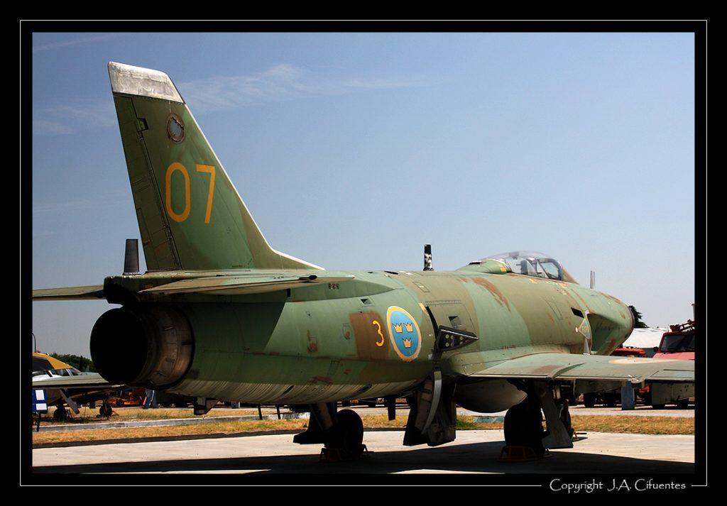 Saab J-32 Lansen.