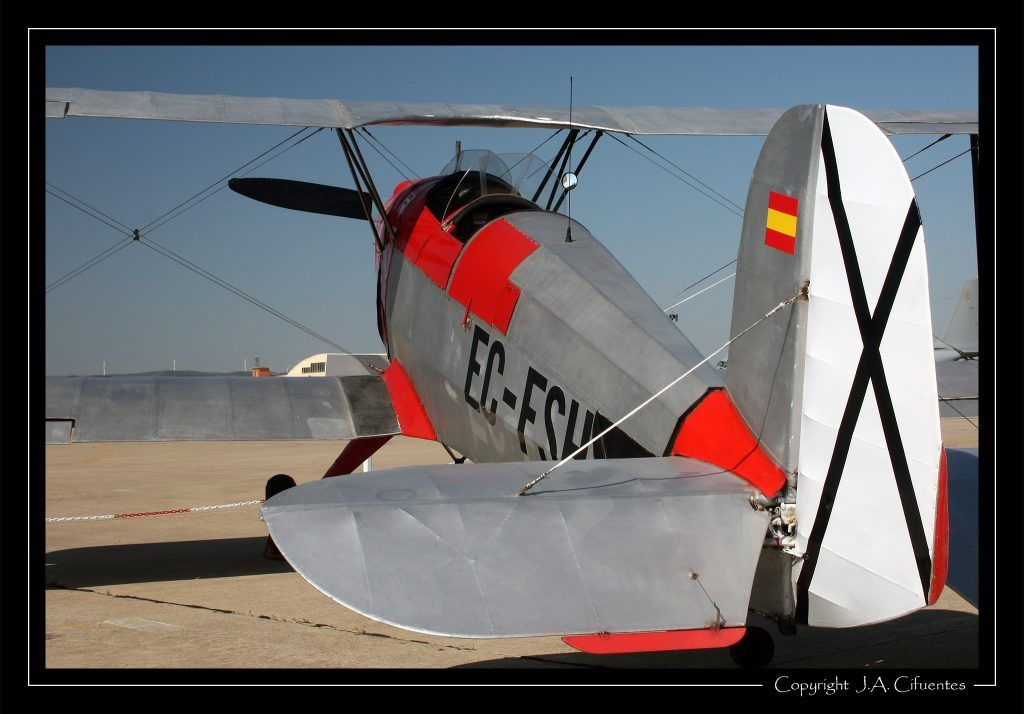 CASA (Bücker) C1.131-E2000 Jungmann del Real Aeroclub de Zaragoza.
