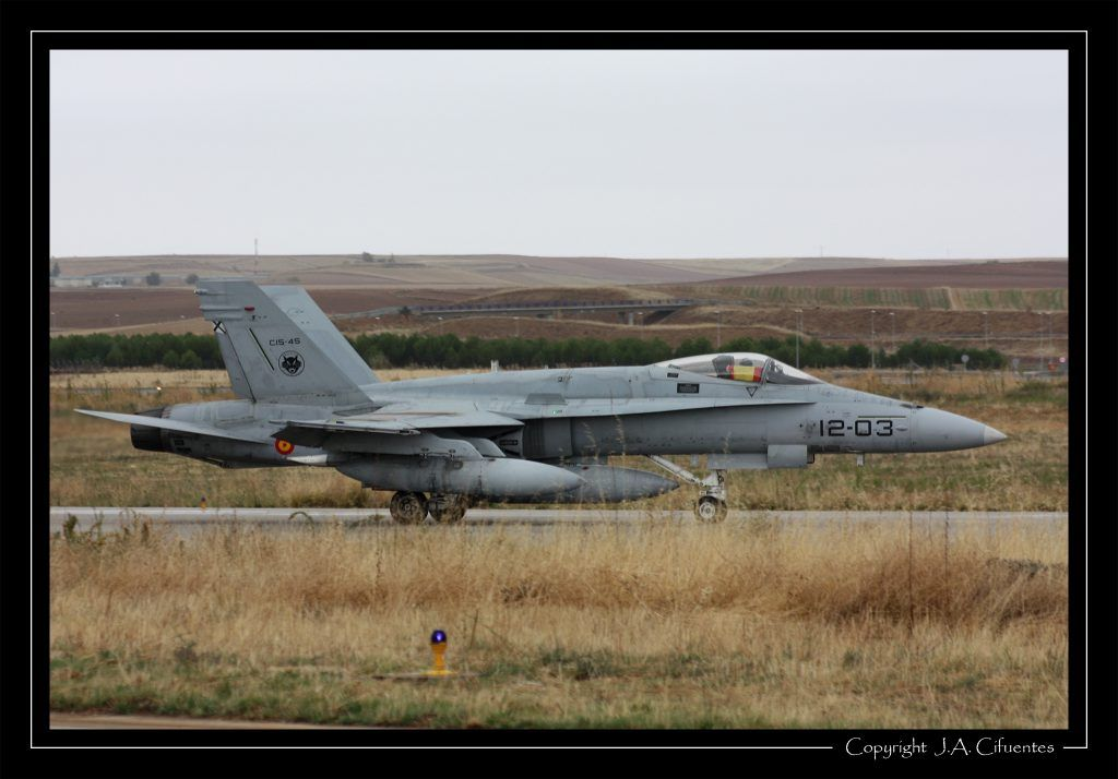 """McDonnel Douglas F-18 """"Hornet"""" Ala 12 del Ejercito del Aire"""