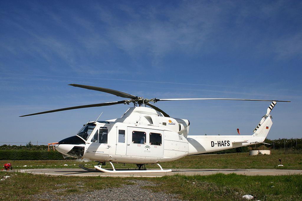 Agusta AB412 (D-HAFS) en Santa Elena