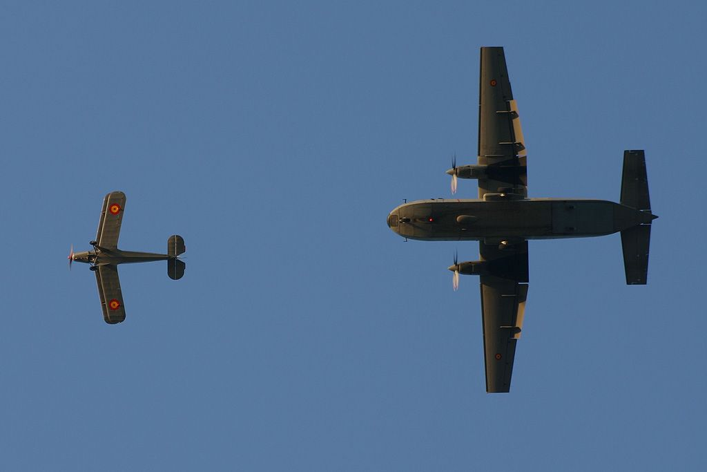 CASA C-212 y Bücker) Jungmann