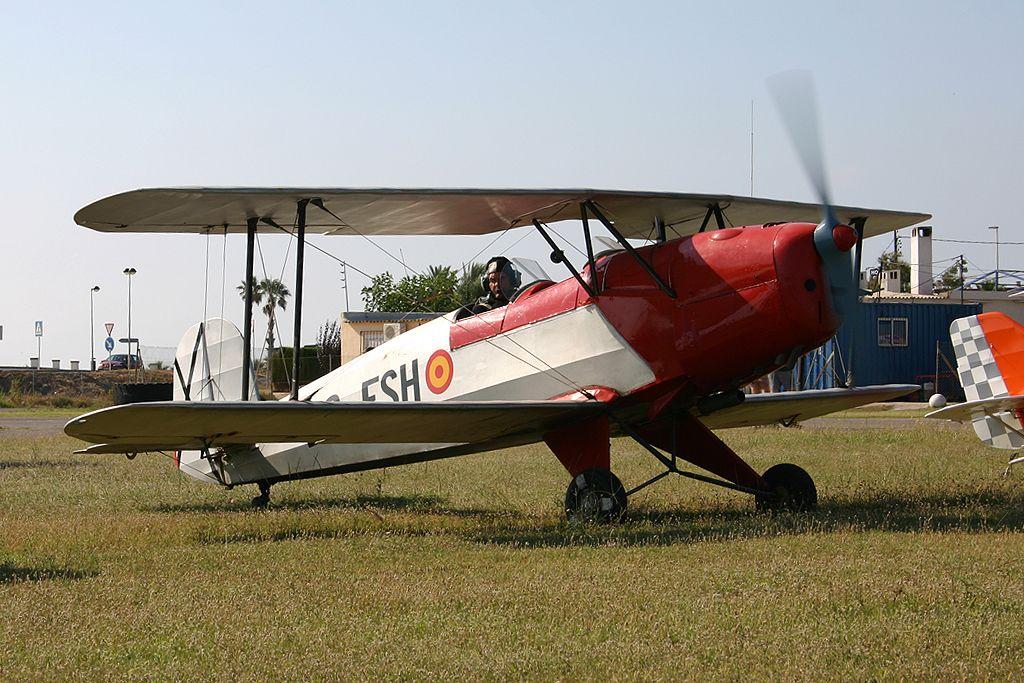 CASA (Bücker) C1.131 Jungmann (EC-FSH) del Real Aeroclub de Zaragoza