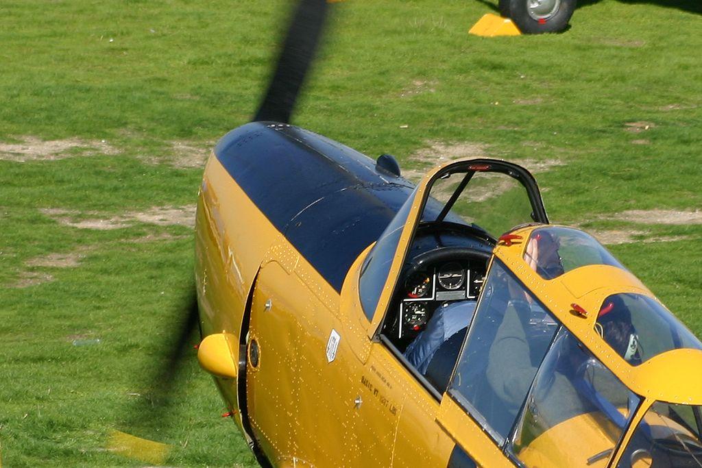De Havilland DHC-1 Chipmunk (EC-LVH)