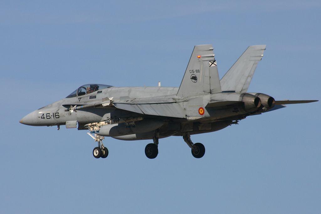 """McDonnel Douglas F-18 """"Hornet"""" del Ala 46."""