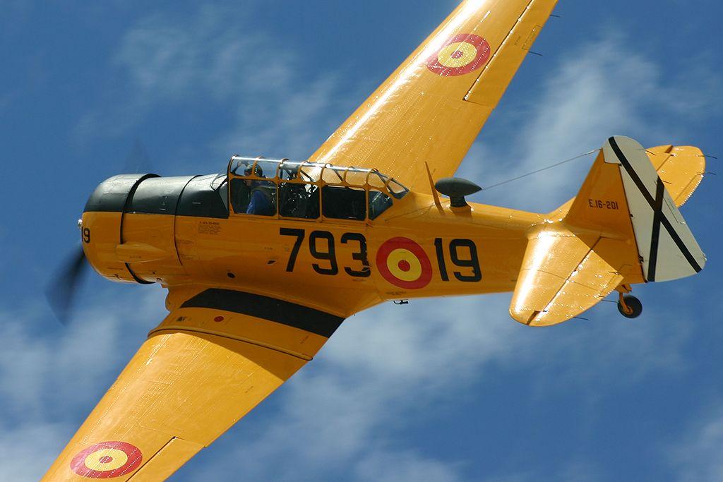 North American T-6 «TEXAN» (EC-DUN).