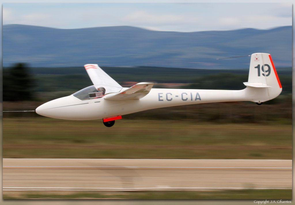 Glasflügel H-201B Standard Libelle (EC-CIA).