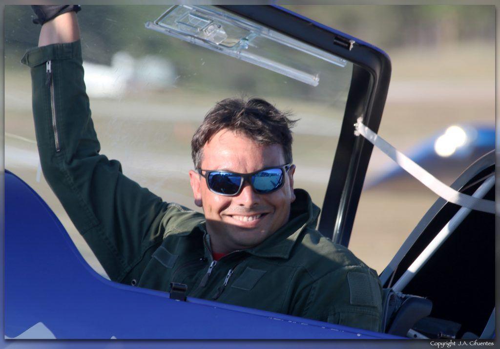 Romain Fhal, campeón del mundo de vuelo acrobático.